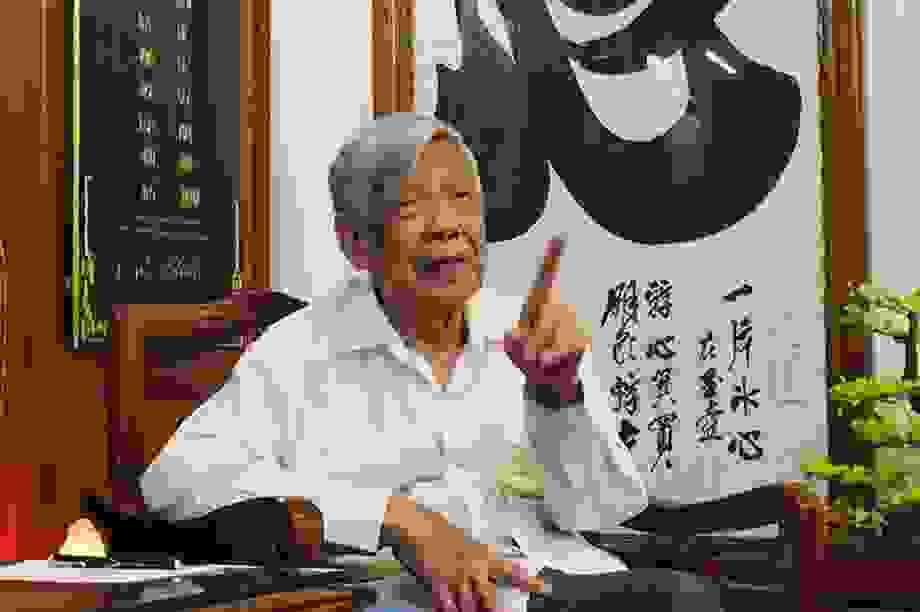 Chuyện về quyết định xin nghỉ trước Đại hội IX của Tổng Bí thư Lê Khả Phiêu