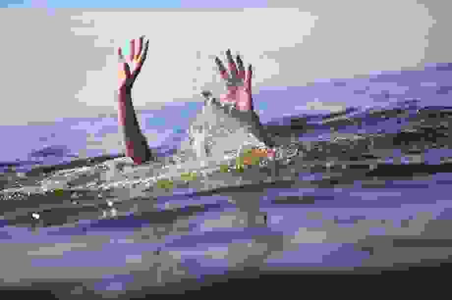 Nhóm học sinh quay phim bạn bị đuối nước khiến dân mạng sôi sục phẫn nộ