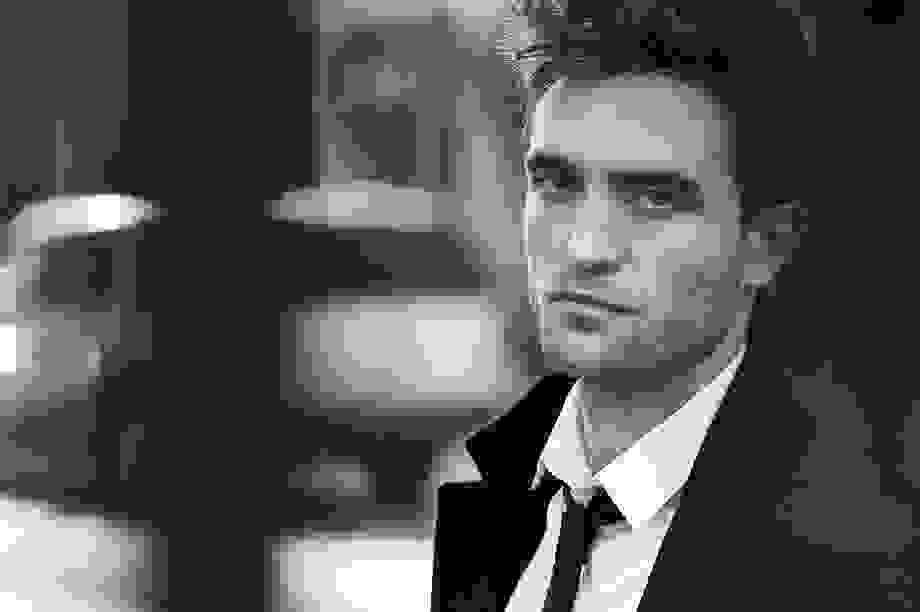 """""""Người đẹp trai nhất thế giới"""" Robert Pattinson làm gì sau """"Chạng vạng""""?"""