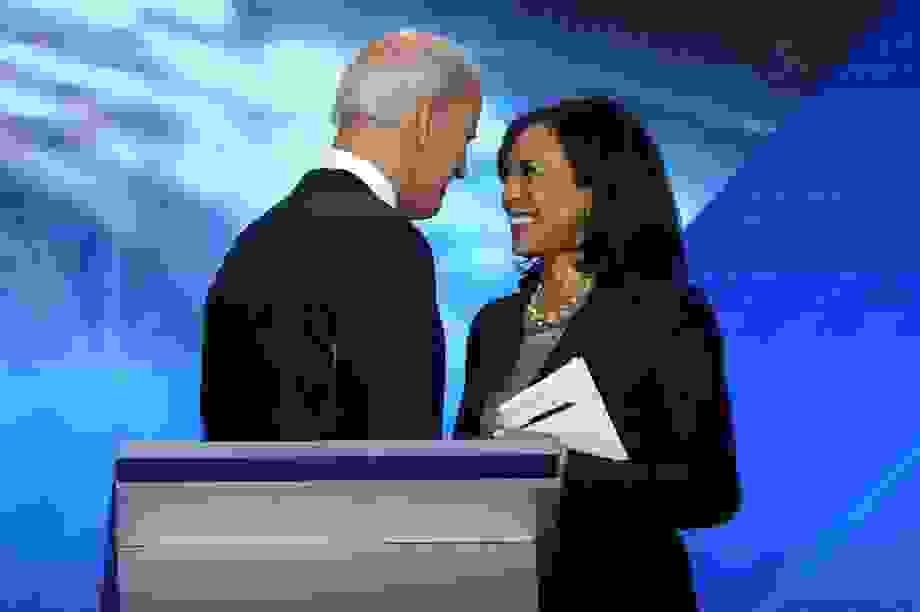 """Chân dung """"phó tướng"""" mang dòng máu lai Ấn-Phi của ông Joe Biden"""