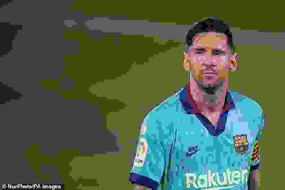 Người hâm mộ Barcelona lo lắng khi Messi mua nhà ở Milan