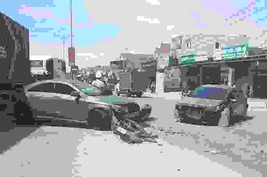 Truy tìm xe ben tông xe Mercedes gây tai nạn liên hoàn rồi bỏ chạy