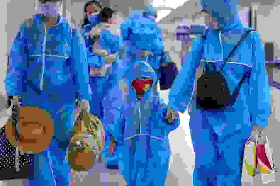 """300 hành khách TPHCM trở về từ """"điểm nóng"""" Đà Nẵng"""