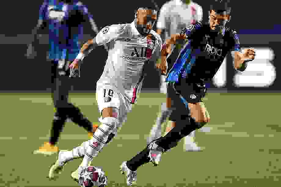 Neymar lập kỷ lục sánh ngang Messi trong ngày PSG hạ Atalanta