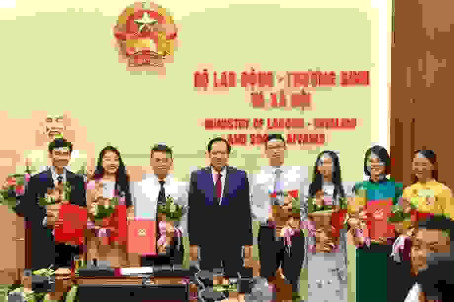 """Bộ trưởng Đào Ngọc Dung: """"Phải chọn được những người xứng đáng nhất"""""""
