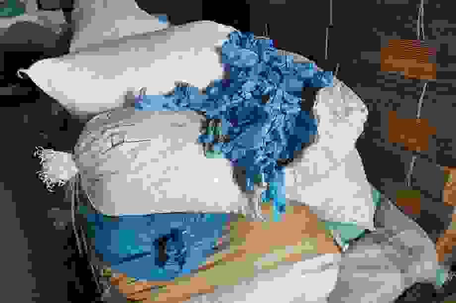 Phát hiện 2 triệu găng tay y tế cũ tái chế, chuẩn bị tung ra thị trường