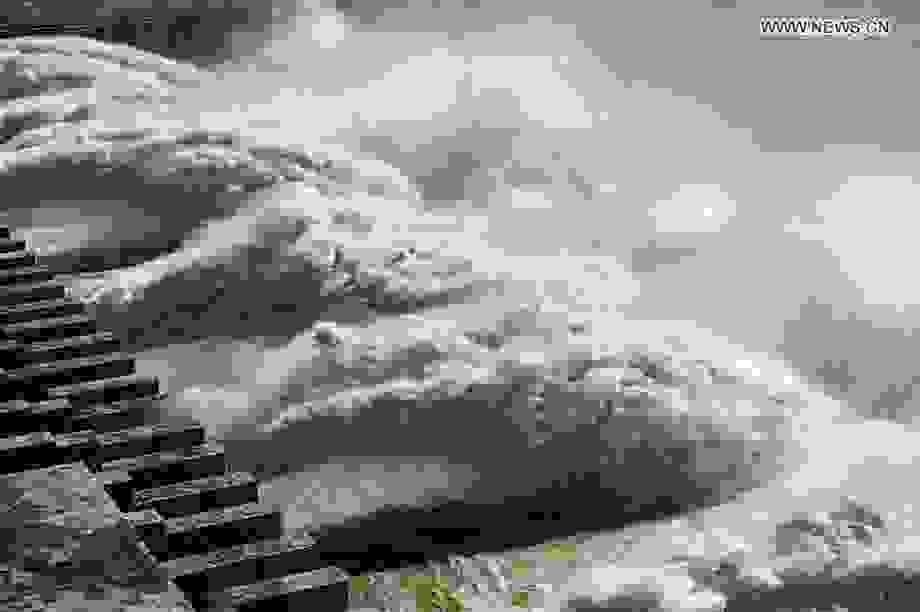 """Đập Tam Hiệp """"căng mình"""" đón trận lũ thứ 4 trên sông Dương Tử"""