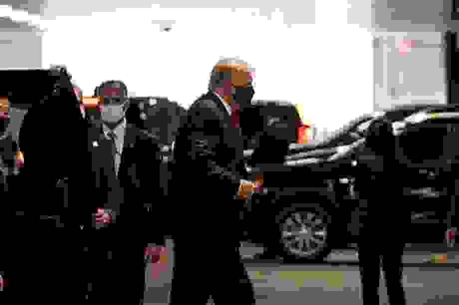 Ông Trump vào bệnh viện thăm em trai ốm nặng