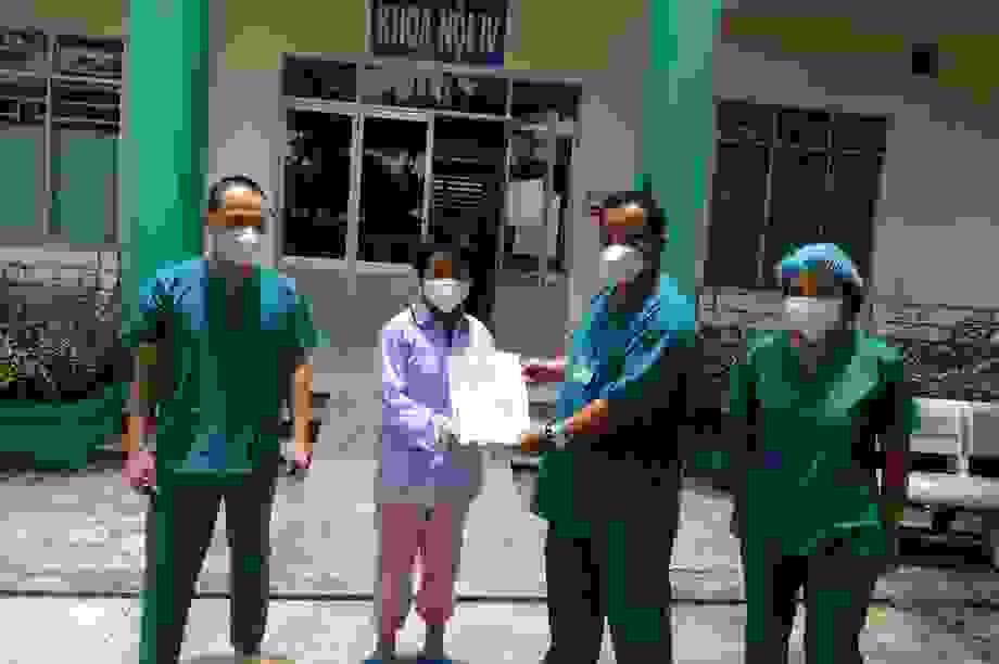 Bệnh nhân mắc Covid-19 ra viện: Các bác sĩ đã chăm sóc tôi rất tận tình