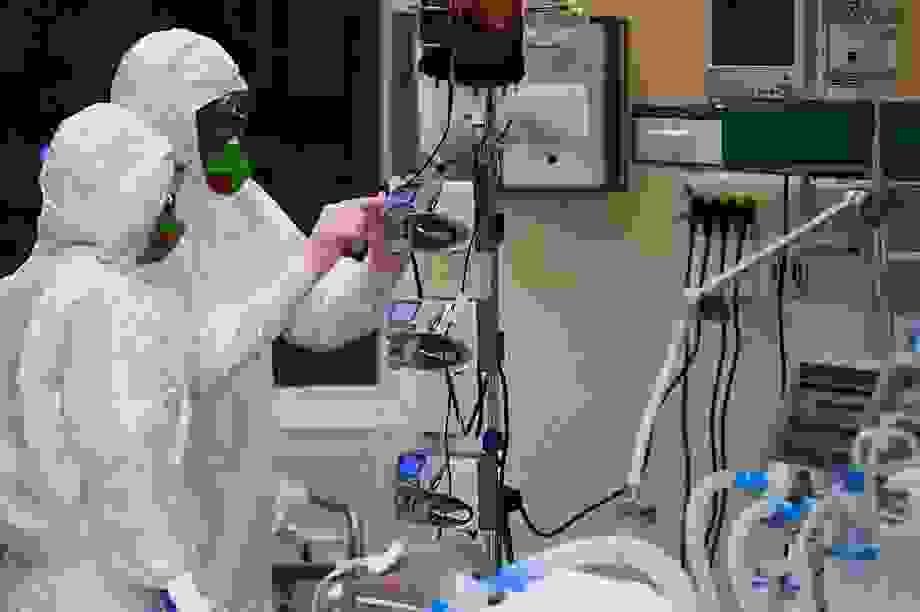 Các nhà khoa học Nga nói về khả năng điều trị Covid-19 bằng phóng xạ