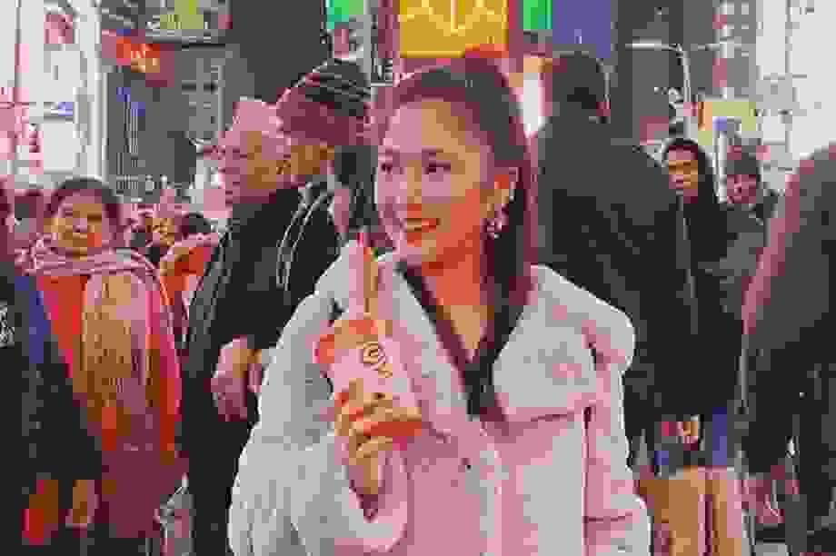 Hương Tràm tiết lộ cuộc sống một mình giữa dịch tại Mỹ
