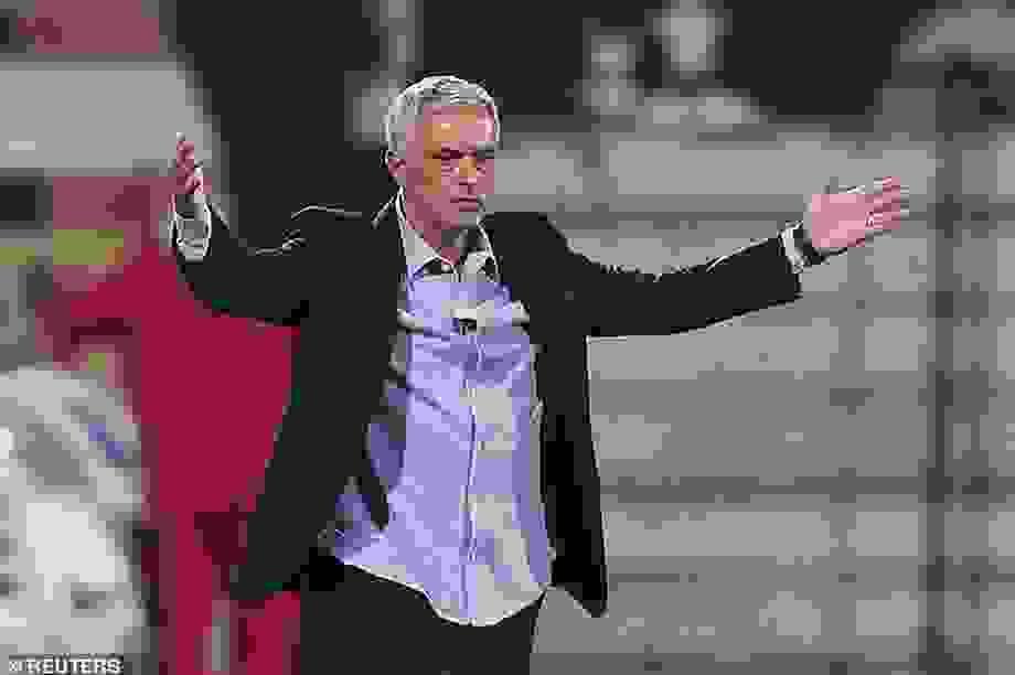 HLV Mourinho chạm mốc 100 trận thắng ở Cúp châu Âu