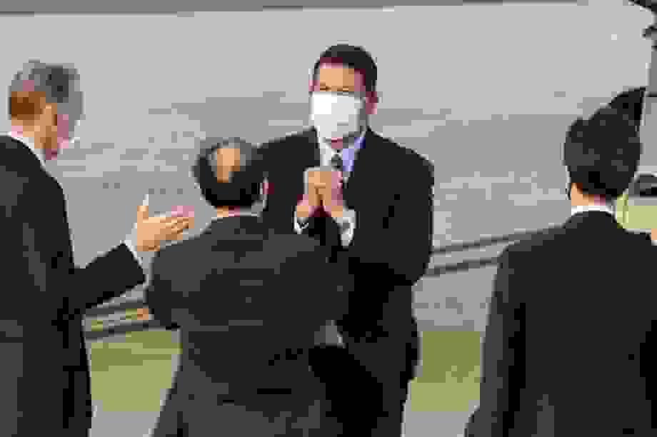 """Quan chức Mỹ thăm Đài Loan, Trung Quốc cảnh báo """"đừng đùa với lửa"""""""