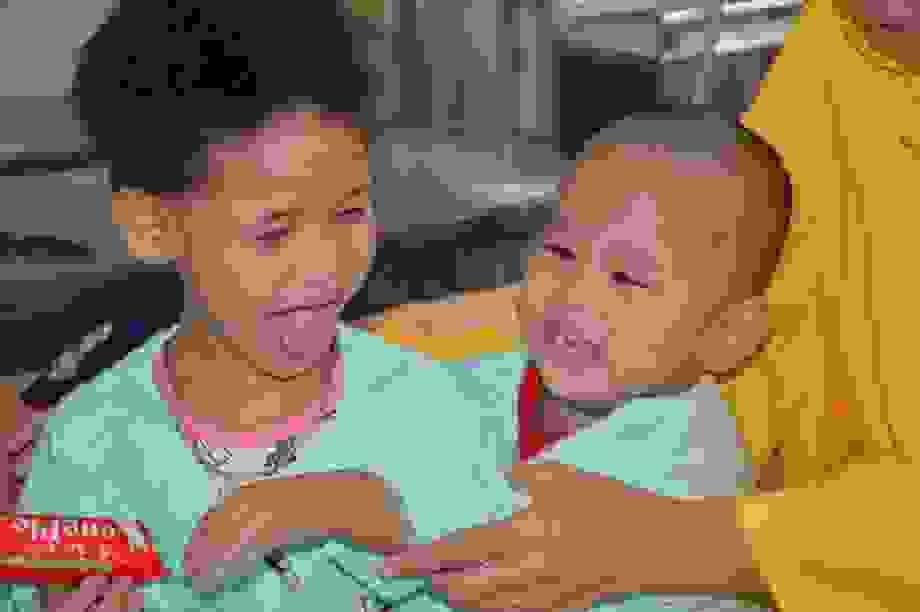Xót xa lời khẩn cầu của người mẹ có 2 con thơ bại não