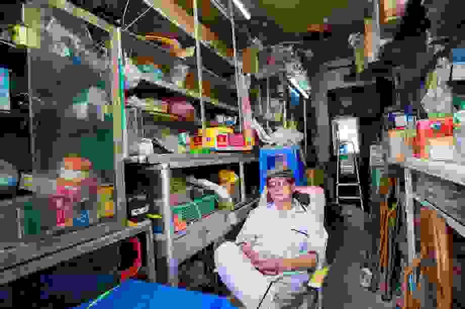 """Cuộc sống đối nghịch trong căn nhà """"siêu nhỏ"""" 7,5 m2 giá 3 tỷ đồng ở Hà Nội"""