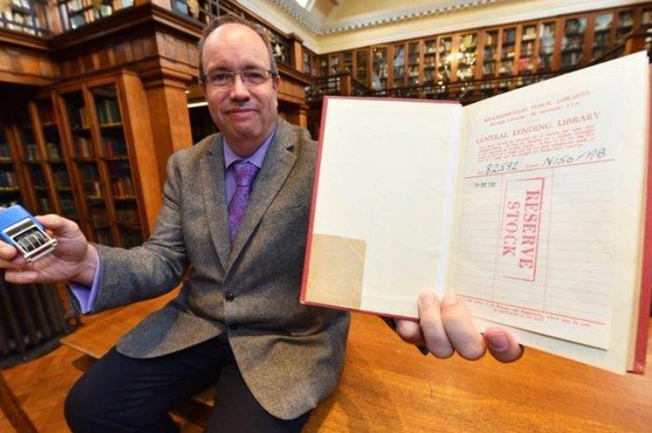 Sách được trả về thư viện sau khi quá hạn mượn gần... 60 năm