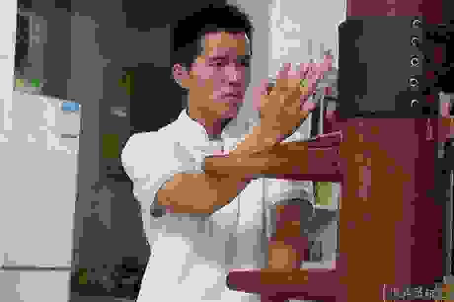 Võ sĩ Muay Thái thách đấu cả môn phái Vịnh Xuân Quyền