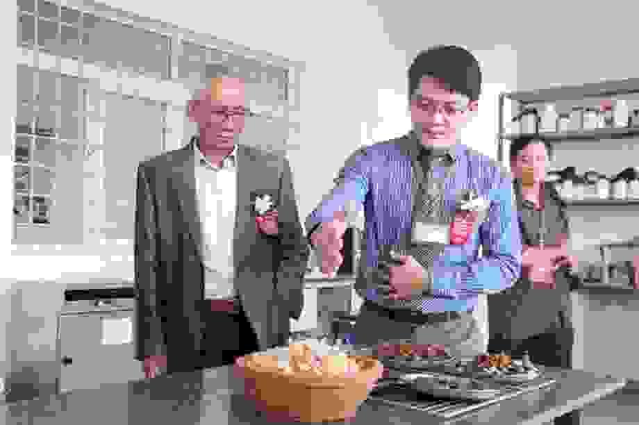 """Viện Công nghệ sinh học và Môi trường ra mắt sản phẩm """"ưu việt"""" cho hoa lan"""