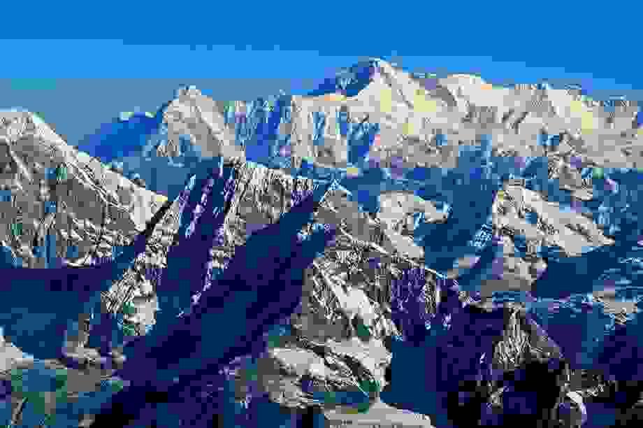 Hé lộ bí mật về nguồn gốc của dãy núi cao nhất Trái đất