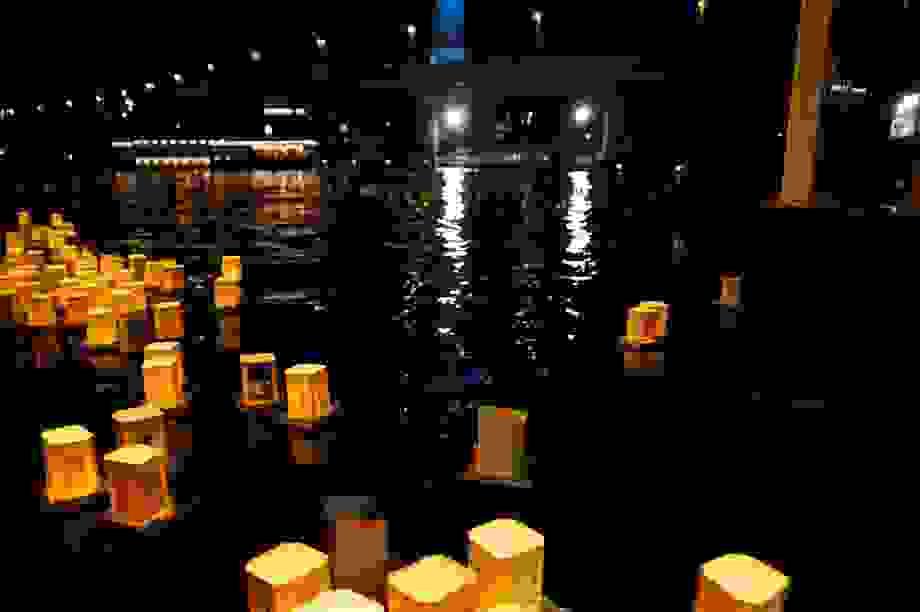 Toro Nagashi – nơi người Nhật thả đèn hoa đăng tưởng nhớ người đã khuất
