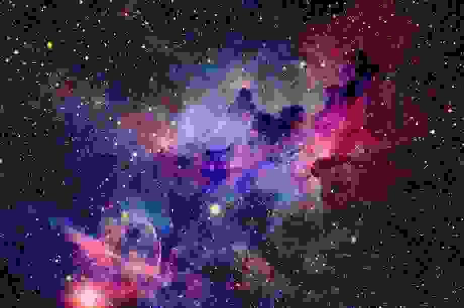Vũ trụ ngày càng nóng lên khi mở rộng