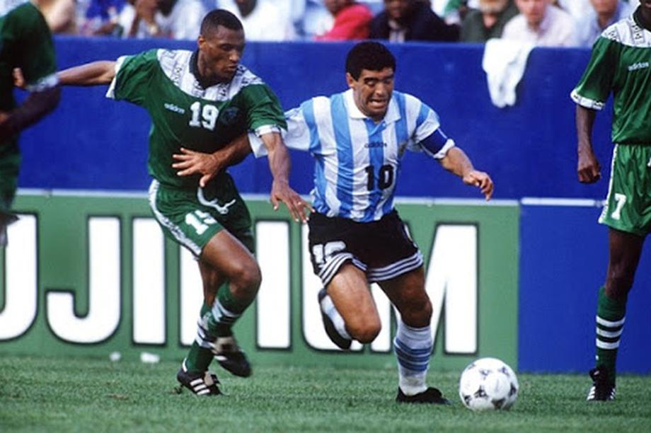 Giới bóng đá Việt Nam tiếc thương sự ra đi của Diego Maradona