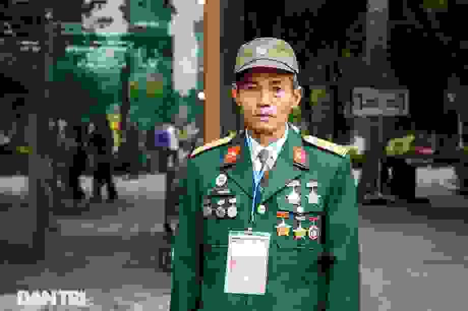 """""""Vào Lăng viếng Bác xong, tôi sẽ tiếp tục đi Quảng Ngãi tìm mộ đồng đội..."""""""