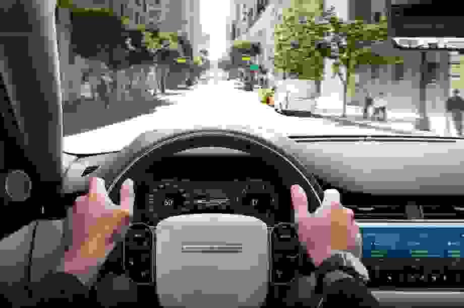 Mặt trái của công nghệ hỗ trợ lái mà các hãng hay cố tình lờ đi