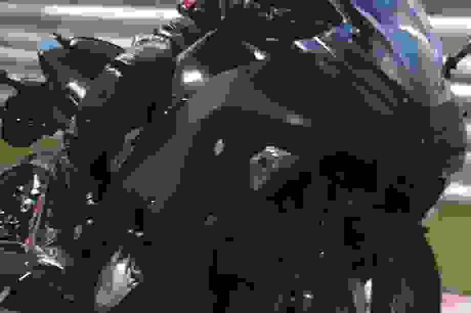 Kawasaki thử nghiệm mô-tô với động cơ hybrid và hộp số 6 cấp