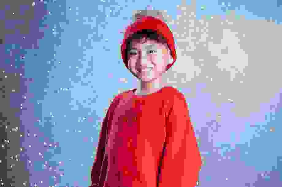 Mẫu nhí Vũ Ngọc Trọng Phương thần thái trong bộ ảnh Noel 2020